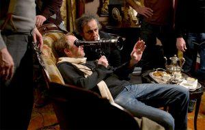 شروع کارش با فیلمبرداری چهار فیلم کوتاه بود که اولینشان در ۱۹۸۴ اکران شد