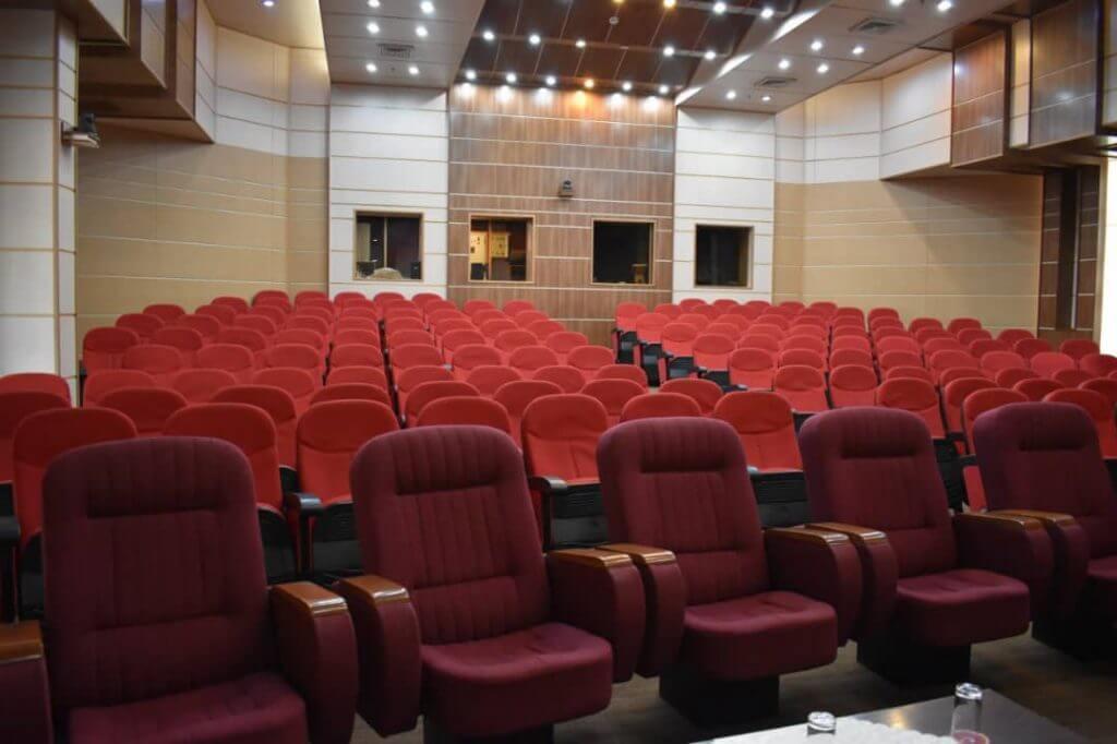 سینما بیستون هتل پارسیان کرمانشاه