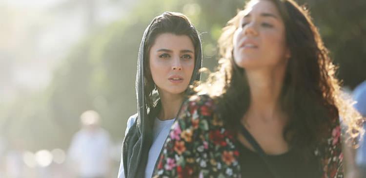 لیلا حاتمی در نمایی از فیلم سینمایی «مردی بدون سایه»