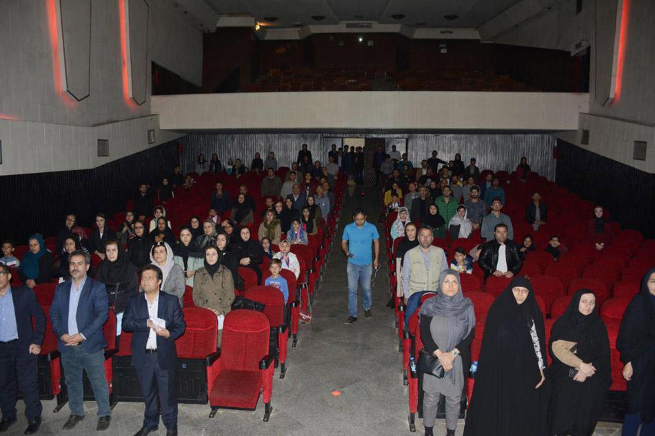 تجلیل از خانواده زنده یاد مرحوم رسول ملاقلی پور- روز ملی سینما - سینما قدس اردبیل - سال 1398