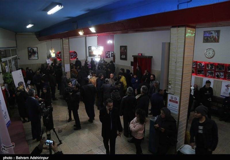 حضور مردم در سی و هفتمین جشنواره فجر – سینما انقلاب اردبیل