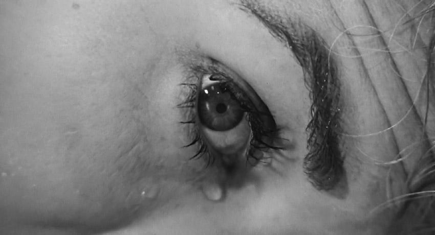 کشته شدن ماریون با چشمان باز