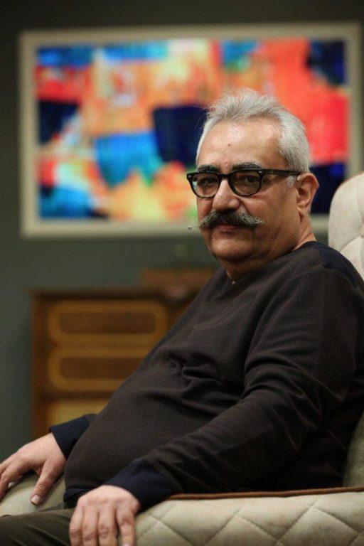 موتمن: دفاتر سینمایی معاملات ملکی شدهاند